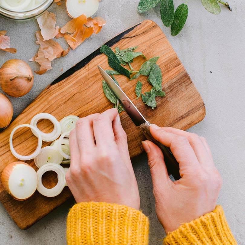 Ricola Sirop d'oignon à la sauge Recette - Step  2