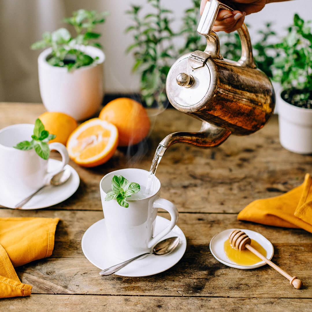 Ricola Fruchtiger Orangenminze-Tee Rezept - Step  2