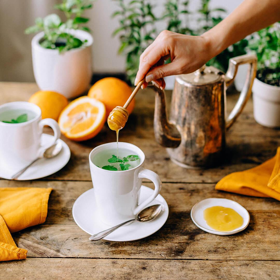 Ricola Fruchtiger Orangenminze-Tee Rezept - Step  3