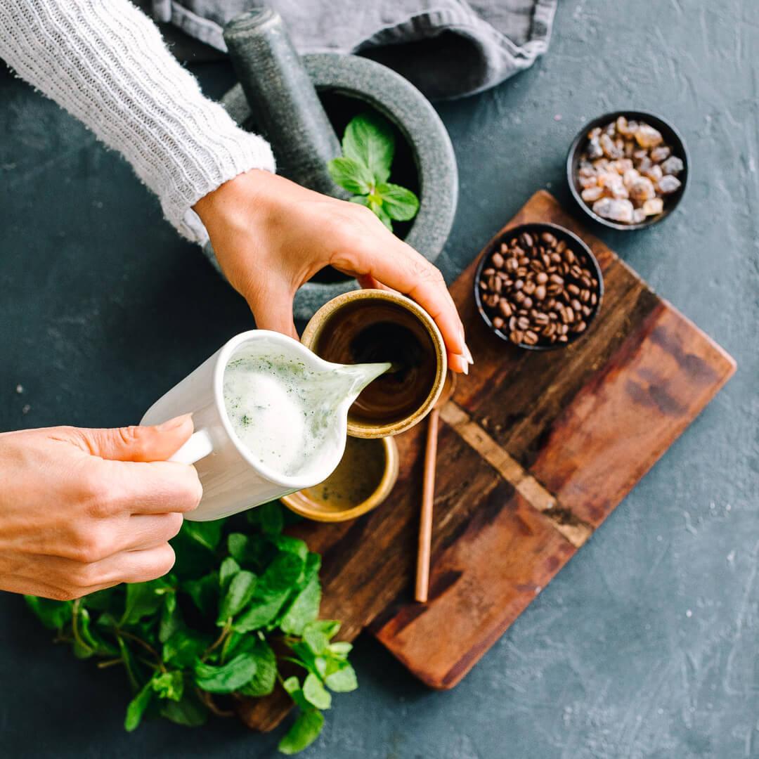 Ricola Pfefferminze Kaffee Latte Rezept - Step  3